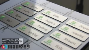 УФ-печать табличек на металле